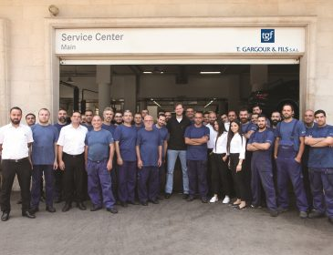 Mercedes-Benz flying doctor holds special service clinic at T. Gargour & Fils facilities